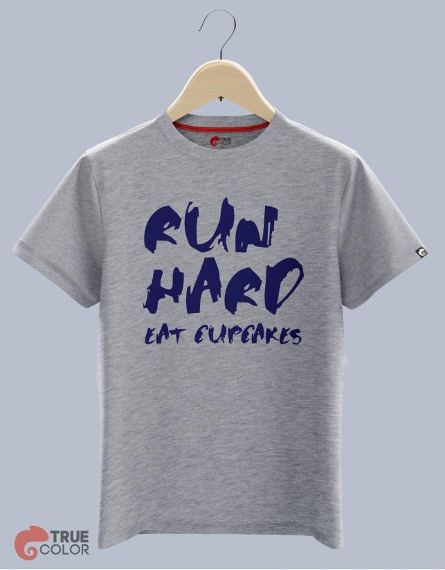 Футболка EAT CUPCAKES!